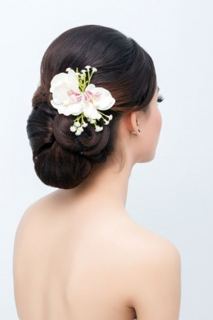 Wedding-Upstyles 1940s wedding hair at Beach hair and beauty salon in Hove, East Sussex