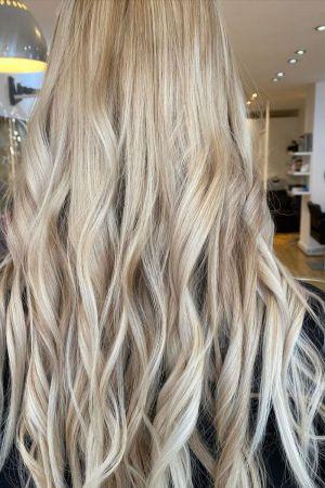 job vancies in Hove at beach hair and beauty salon